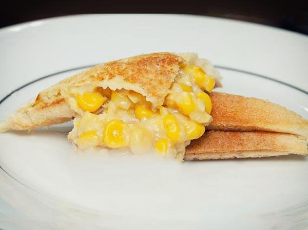 hot-motto-sand-corn-cream-onion